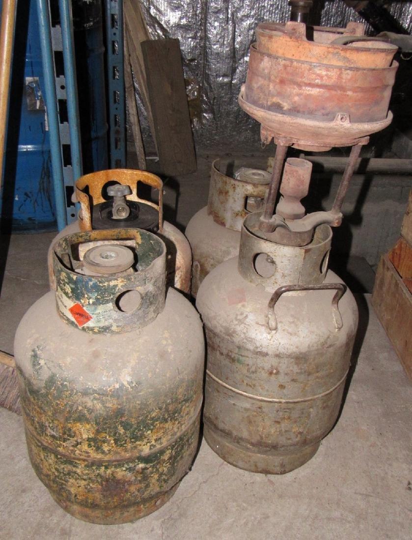 4 Propane Tanks Lead Pot & Ladle