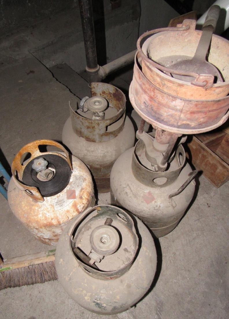 4 Propane Tanks Lead Pot & Ladle - 2