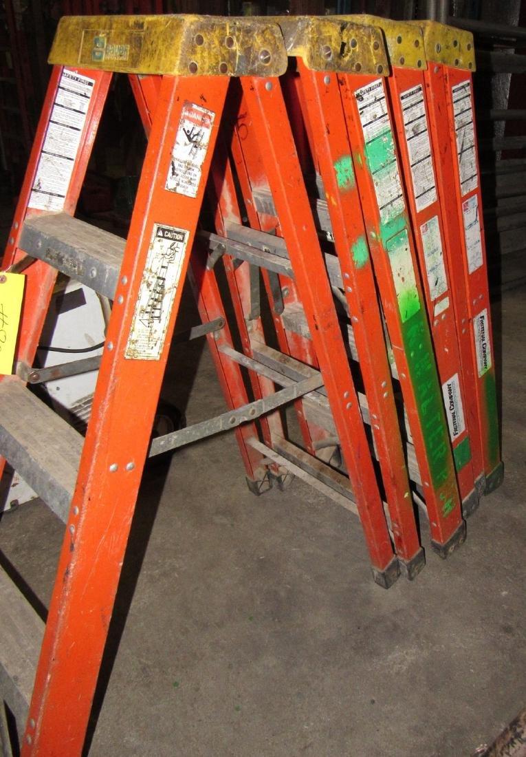 (4) 4' Bauer Fiberglass Step Ladders - 3