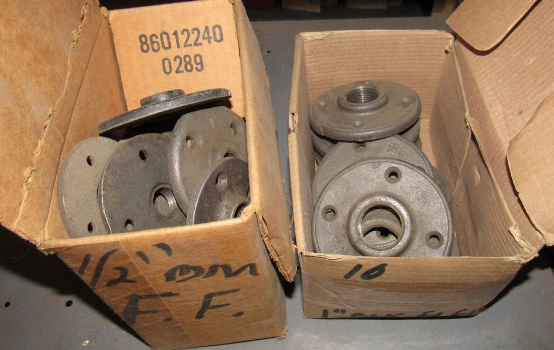 """Iron Pipe Fittings tee's Flanges 45's Plugs 1/2"""" 3/4"""" - 5"""