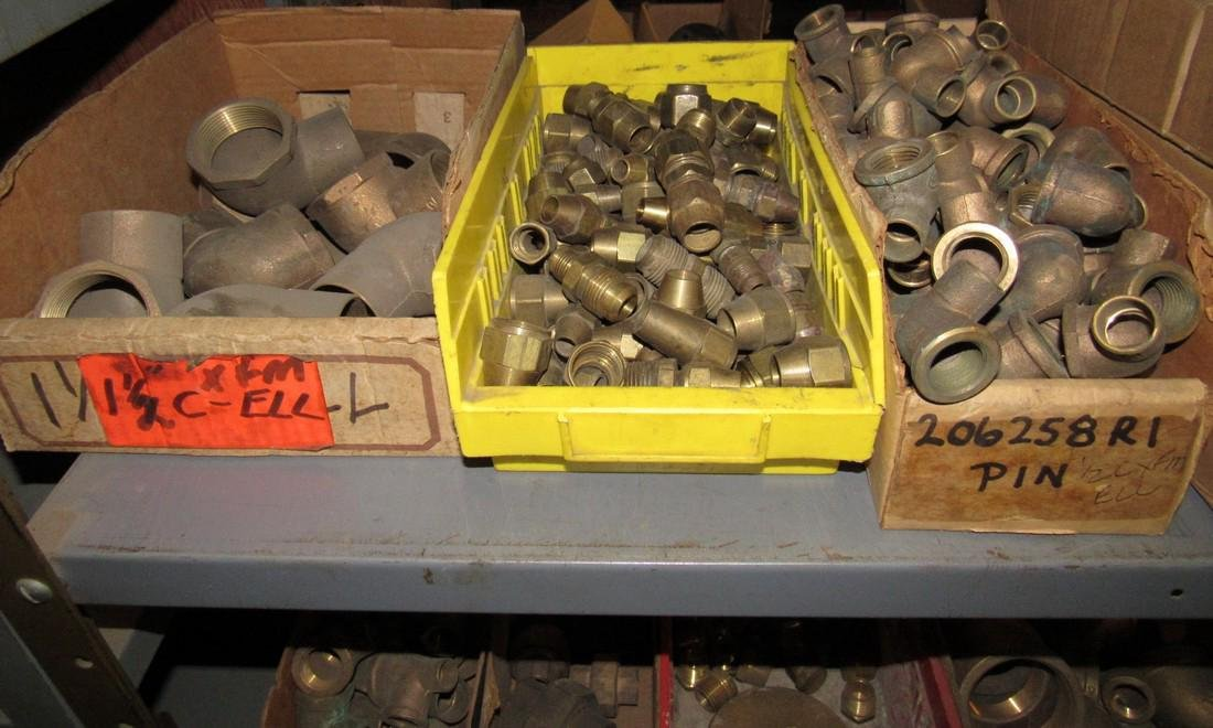Large Lot of Brass Fittings Elbows Tee's Caps - 4