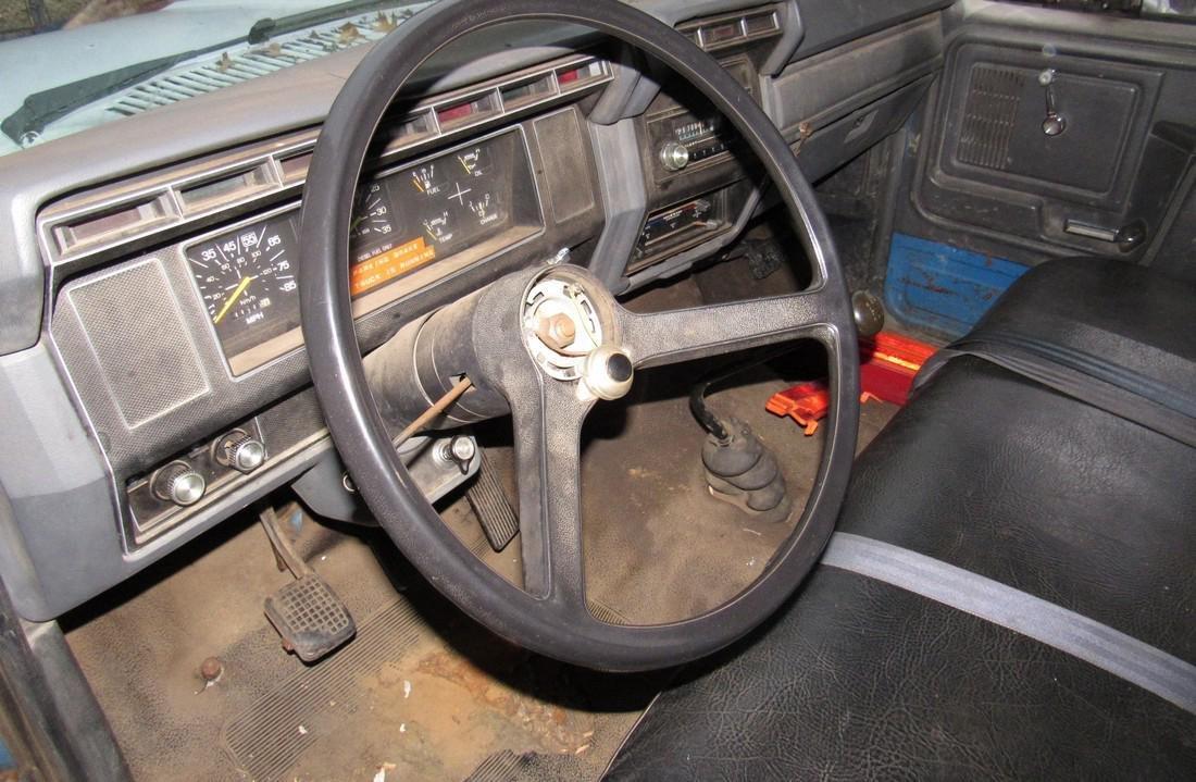 1984 Ford F600 Diesel Rack Body Truck - 10