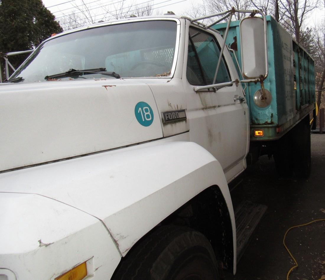 1984 Ford F600 Diesel Rack Body Truck - 5