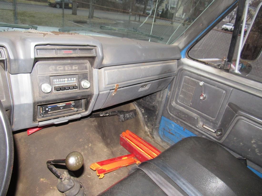 1984 Ford F600 Diesel Rack Body Truck - 9