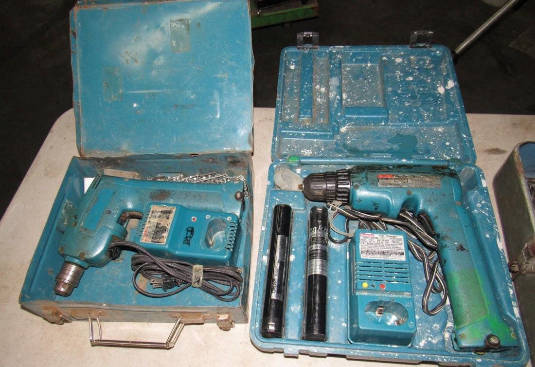 2 Makita Cordless Drills & Drill Bits