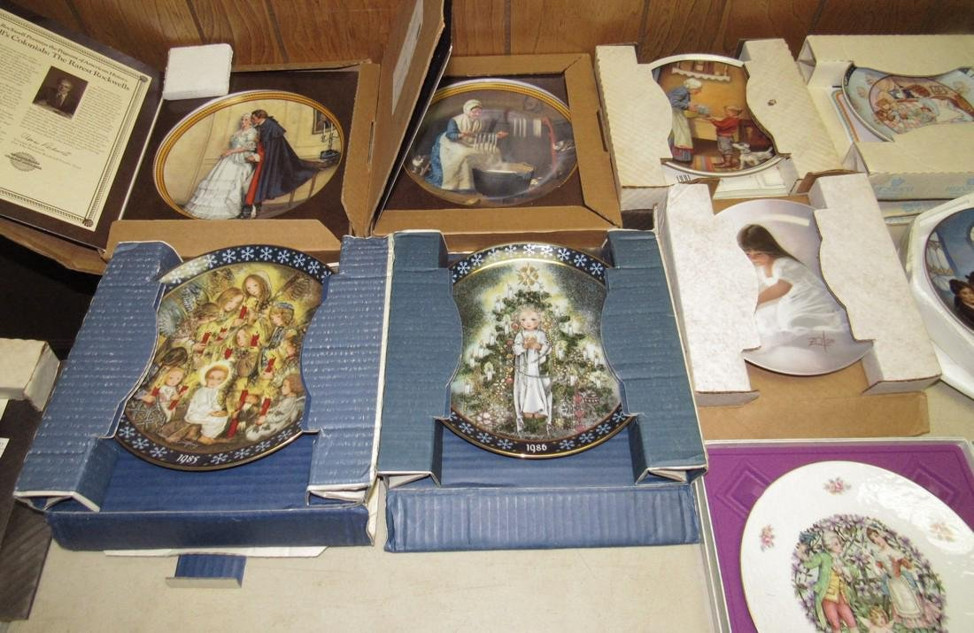 Lot of 44 Collector Plates Norman Rockwell Goebel - 7