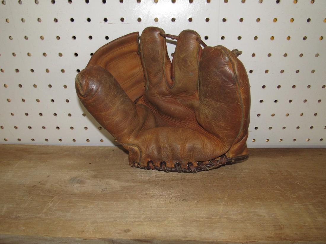 Spalding Baseball Glove