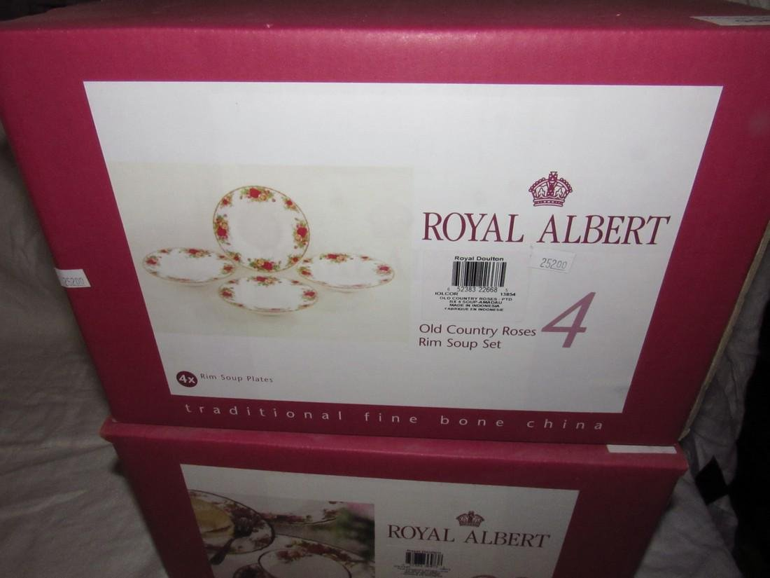 Royal Albert Old Country Roses 20 pc Set & Rim Soup - 3
