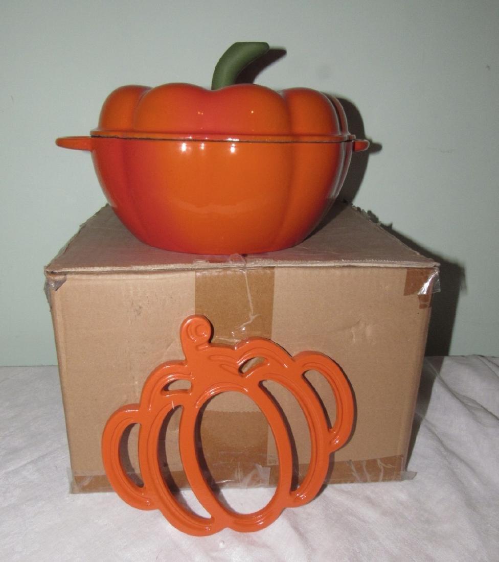 Technique Cast Iron Porcelain Dutch Oven & Trivet