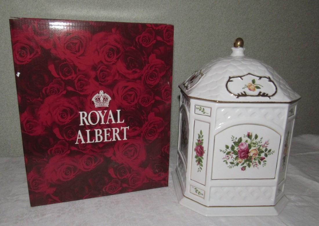 Royal Albert Old Country Roses Gazebo Cookie Jar