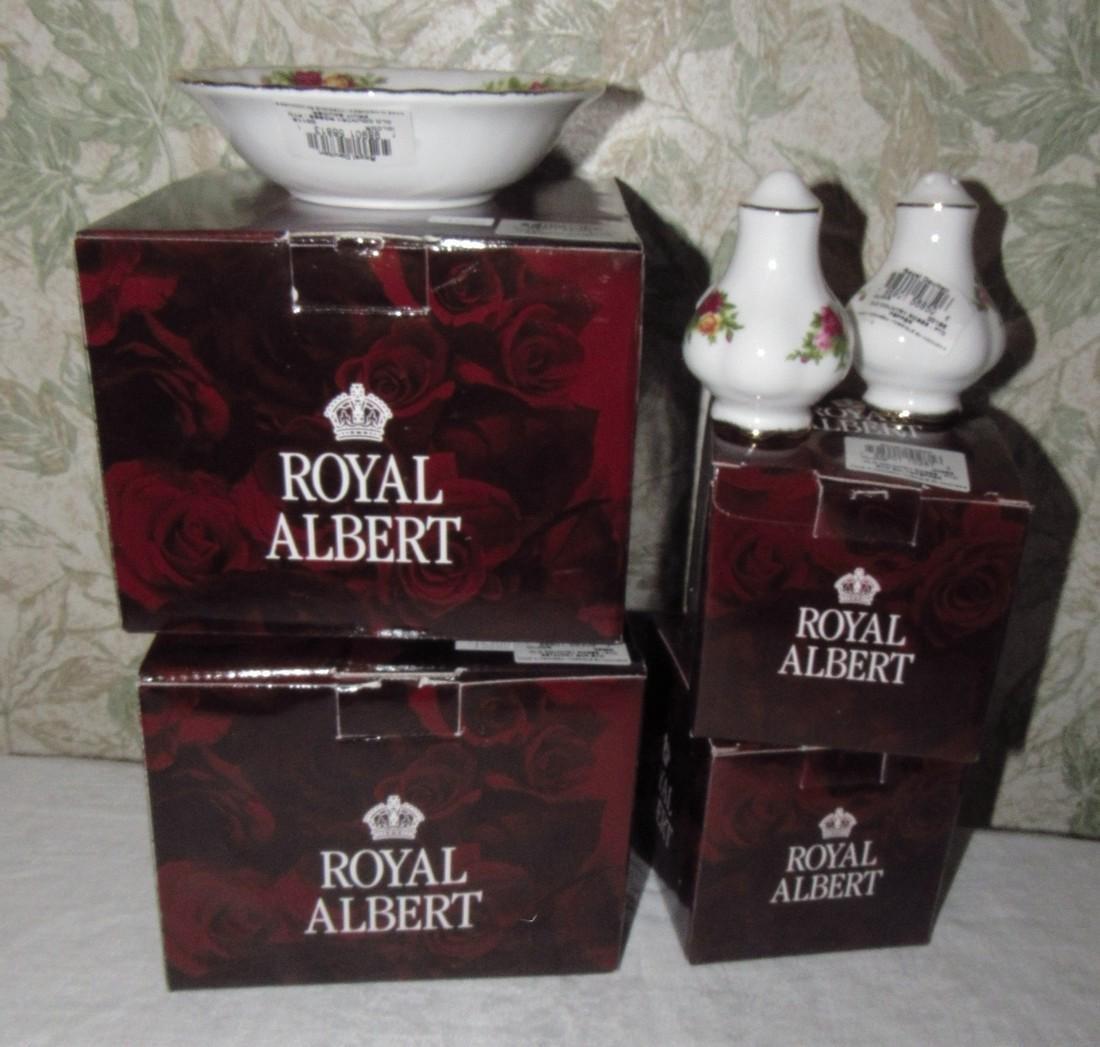 Royal Albert Old Country Bowls Salt & Pepper Shakers