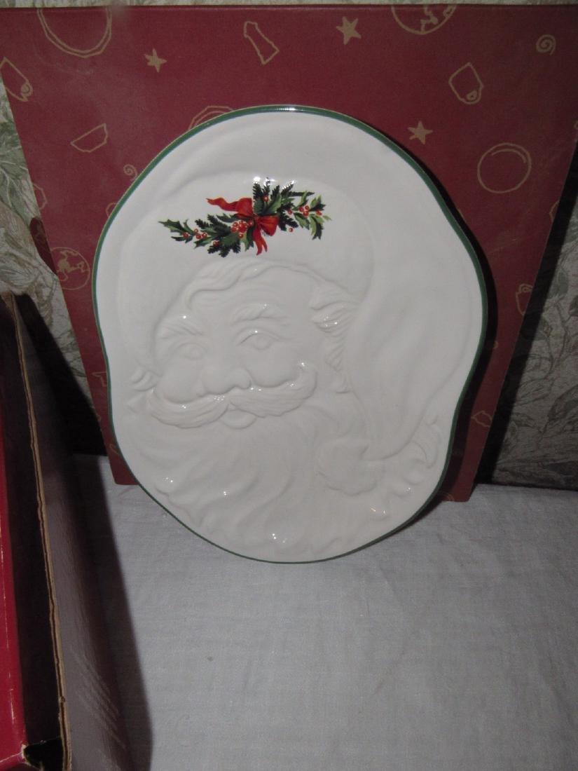Pfaltzgraff Christmas Heritage Santa Plate Candle - 2