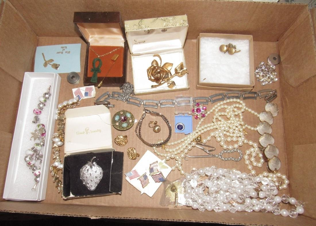 Lot of Vintage Jewelry Brooches Bracelets