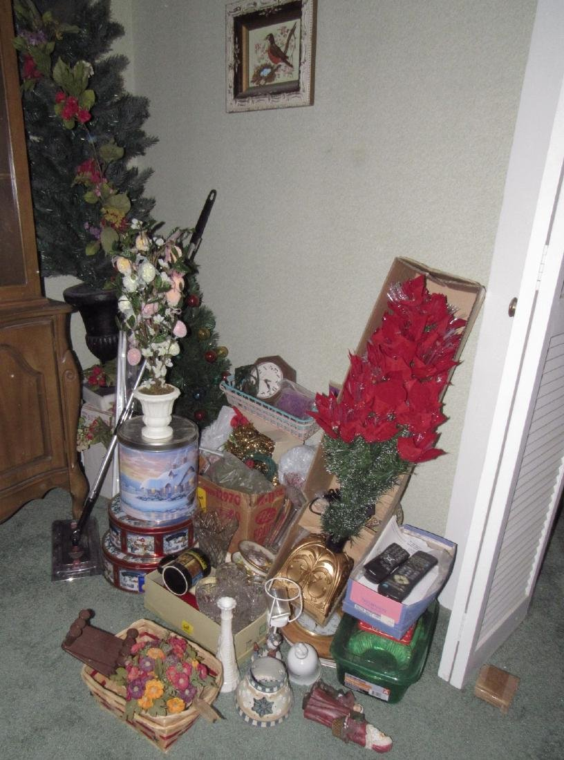 Misc Partial Room Contents Christmas Tree Glassware