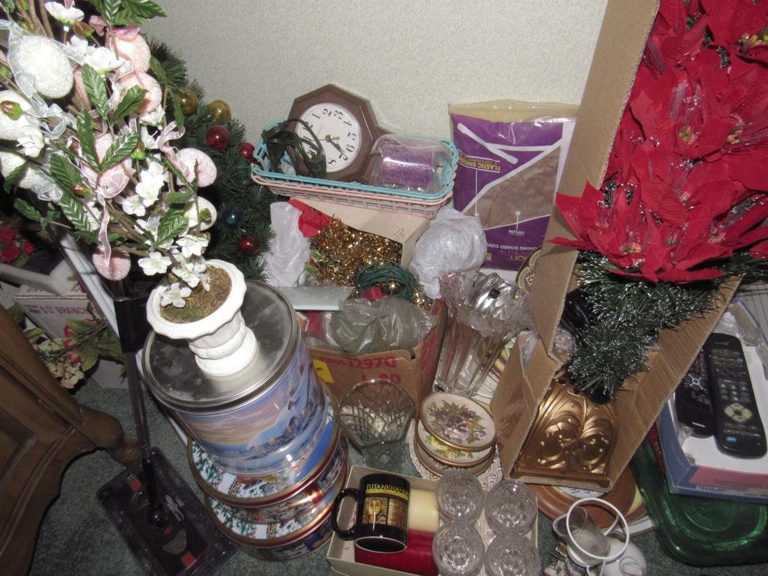 Misc Partial Room Contents Christmas Tree Glassware - 3