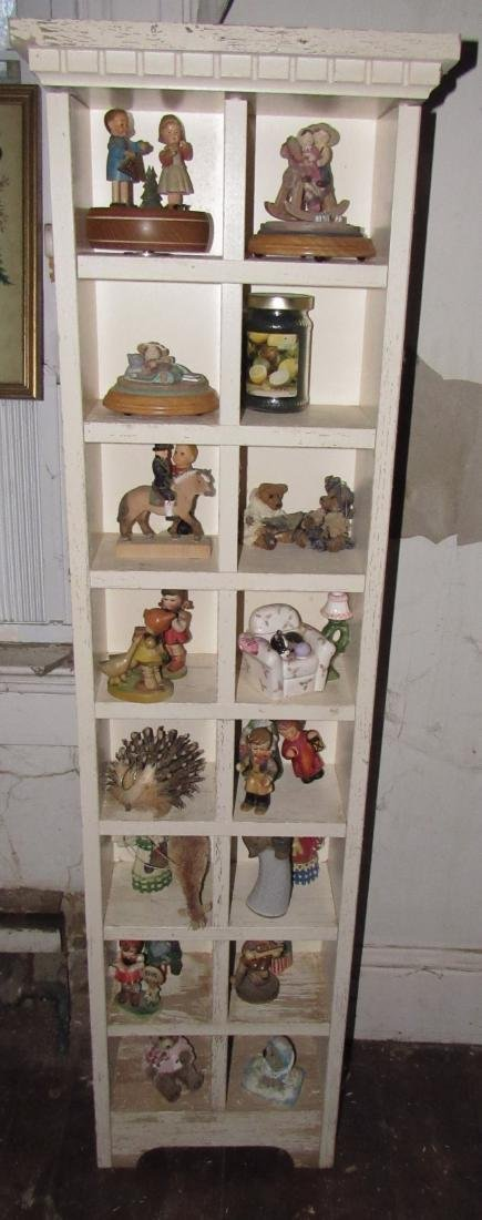 Shelf & Knick Knacks