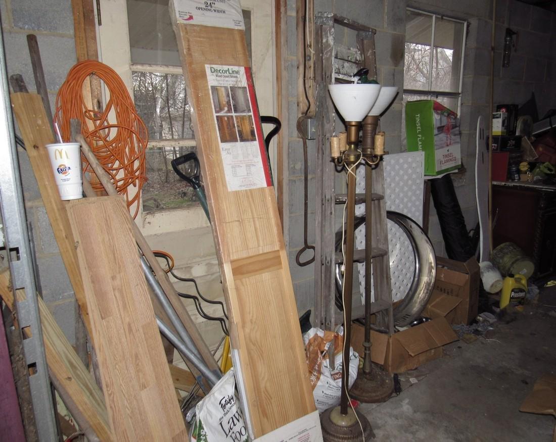 Misc Tools Floor Lamps Partial Wall Contents