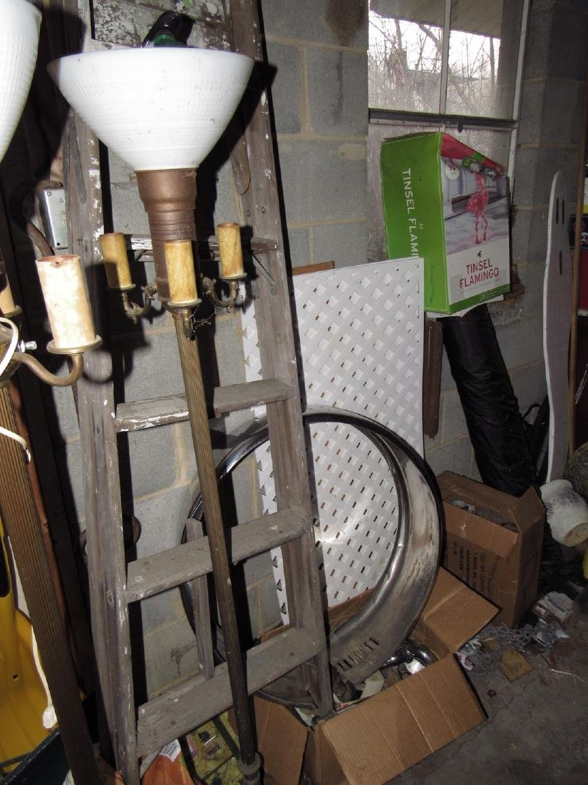 Misc Tools Floor Lamps Partial Wall Contents - 2