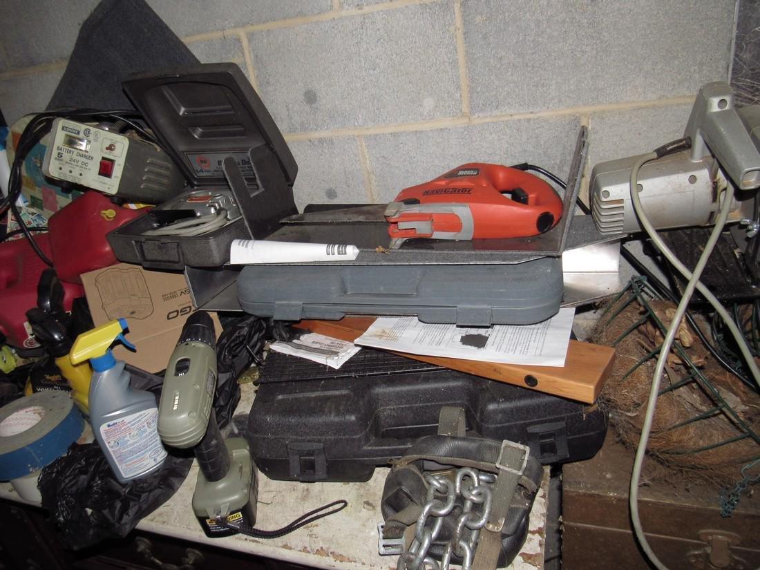Misc Tools Floor Lamps Partial Wall Contents - 4