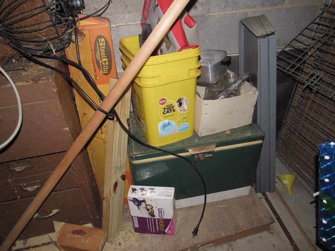 Misc Tools Floor Lamps Partial Wall Contents - 6