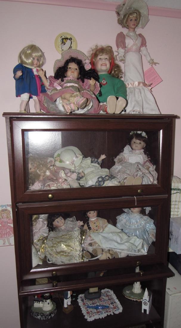 Large Lot of Dolls.