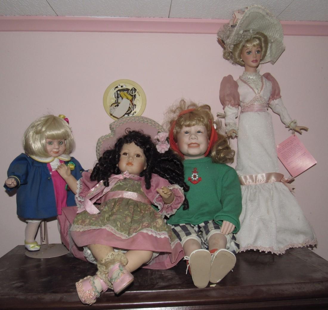 Large Lot of Dolls. - 2