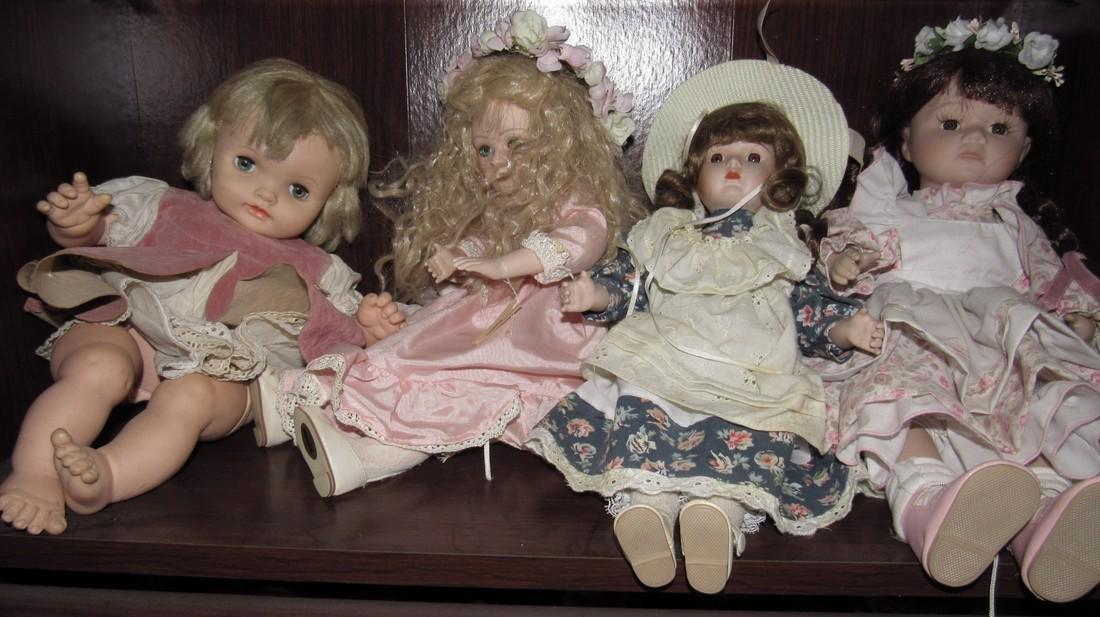 Large Lot of Dolls. - 3