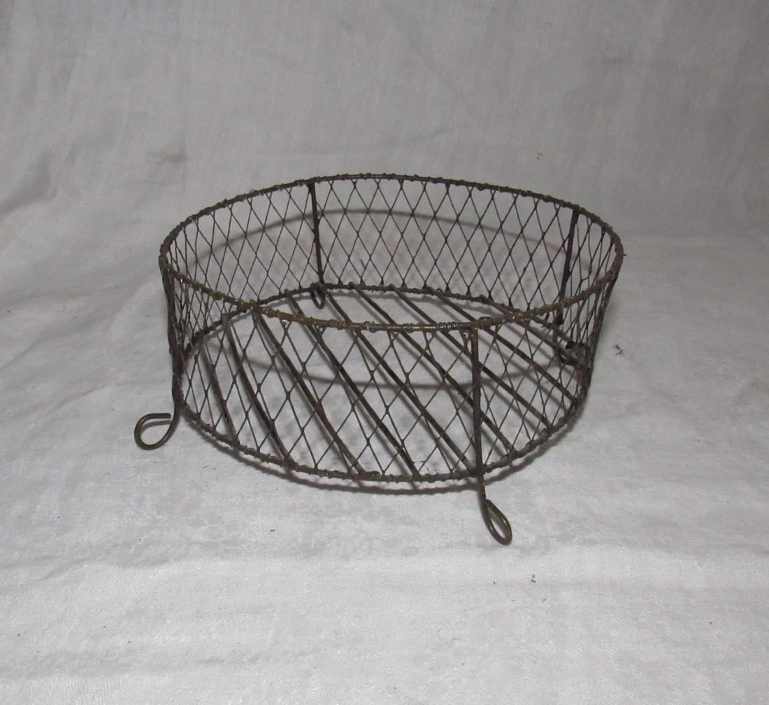 Primitive Wire Bread Basket