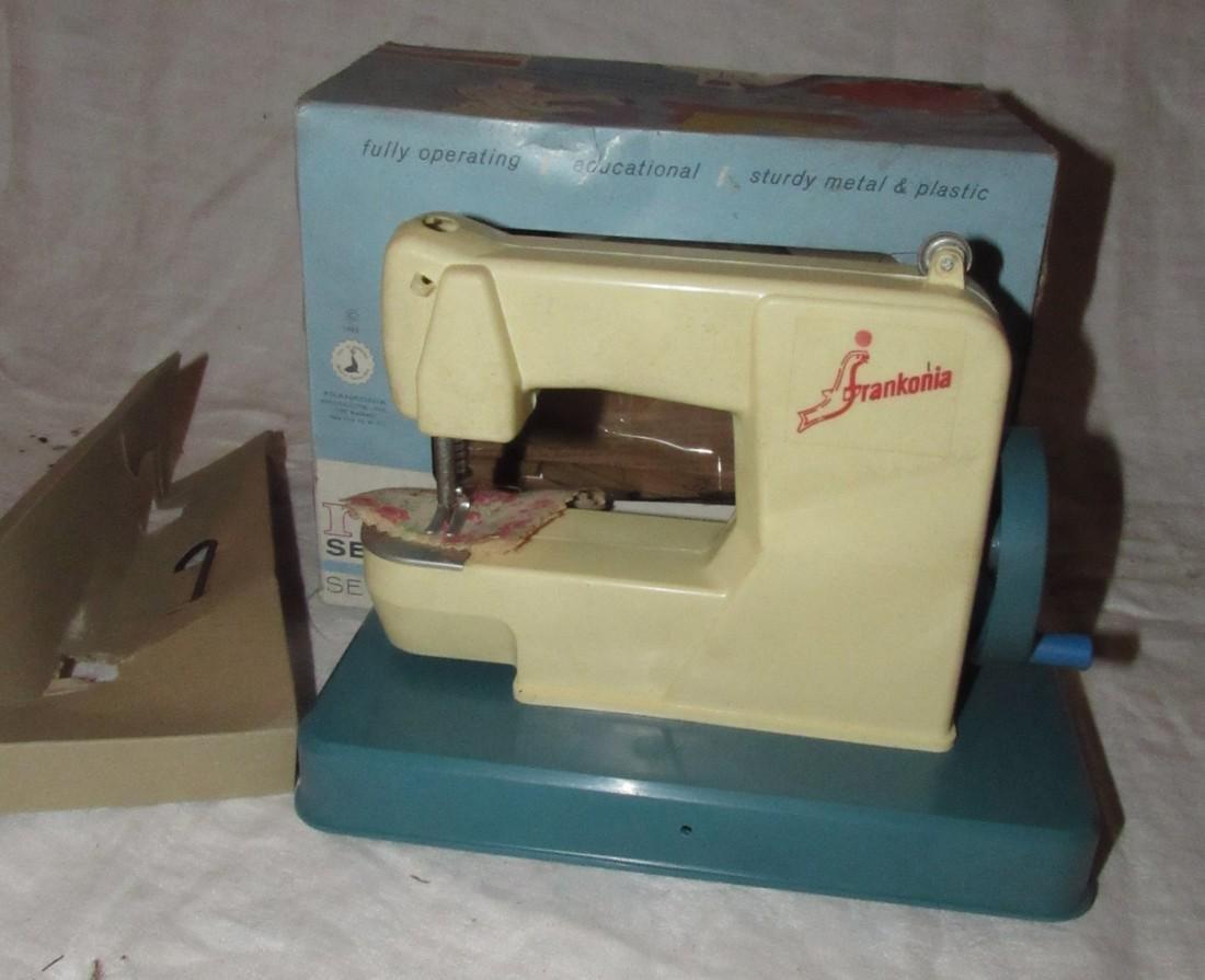 Frankonia Sewing Machine