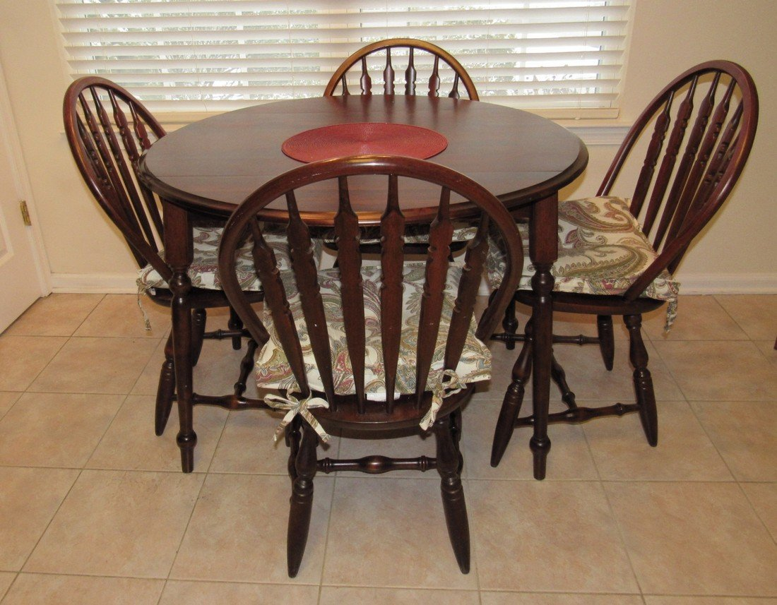 Drop Leaf Kitchen Table w/ 4 Chairs