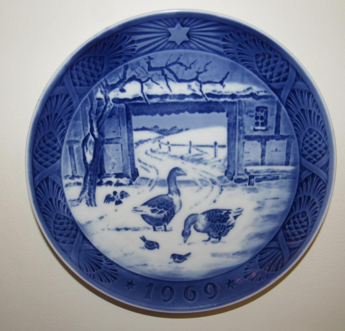 1969 Royal Copenhagen In The Old Farmyard Plate