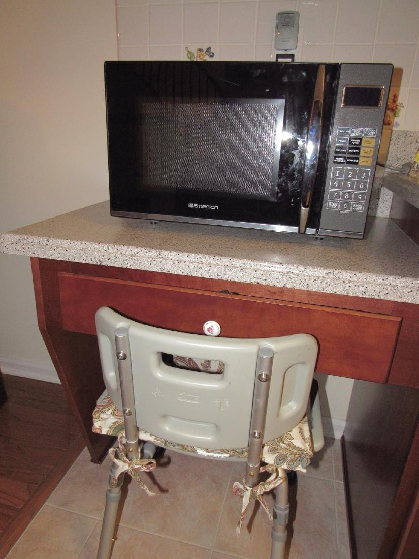 Emerson Microwave 1100 Watts &  Handicap Chair