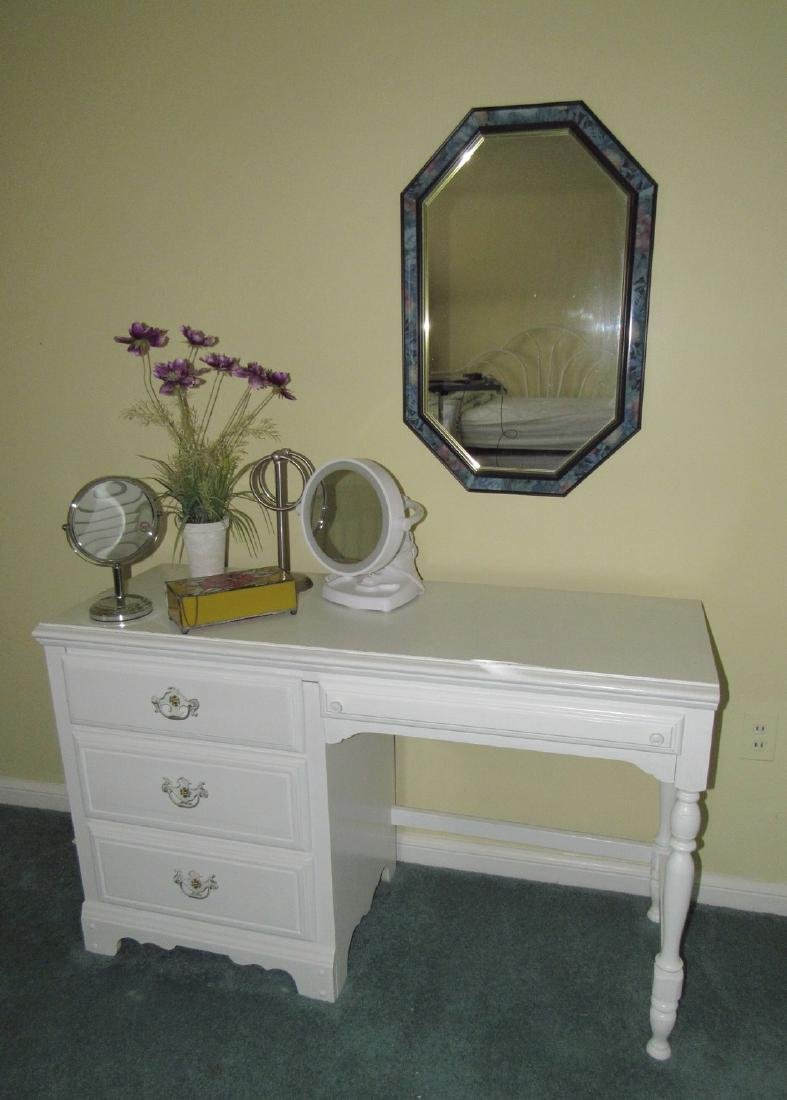 Vanity Mirror & Contents