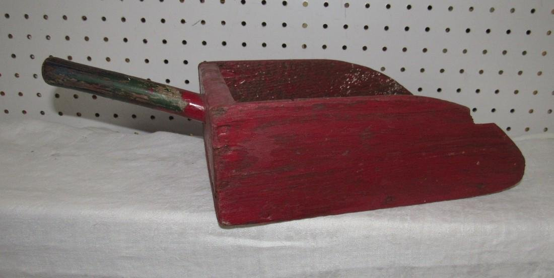 Red Painted Scoop