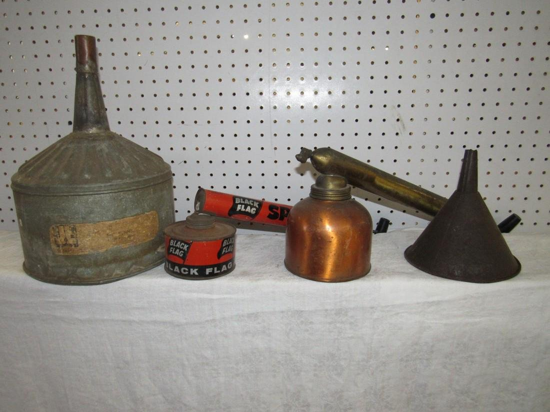 Funnels Sprayers & Horse Shoes