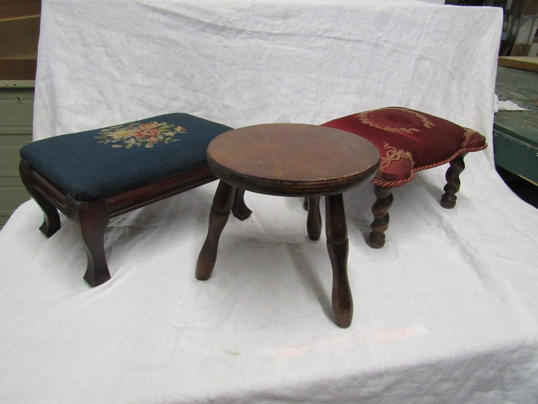 3 Stools incl. Needle Point