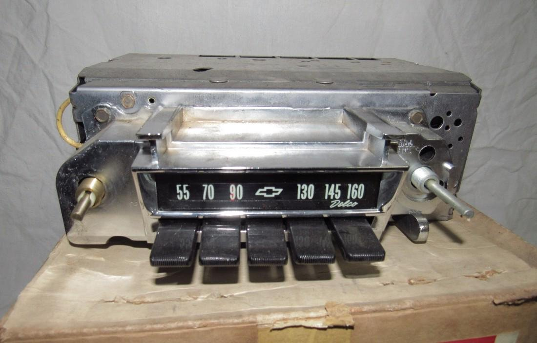 Chevrolet Delco Corvair 1 # 986864 Car Radio - 2