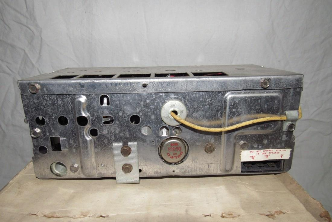 Chevrolet Delco Corvair 1 # 986864 Car Radio - 4