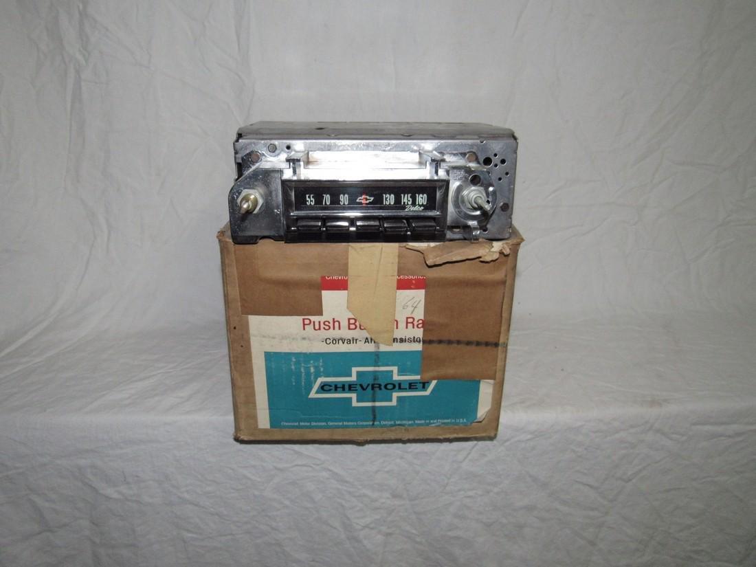 Chevrolet Push Button Corvair Radio & Speaker 9868864 - 3