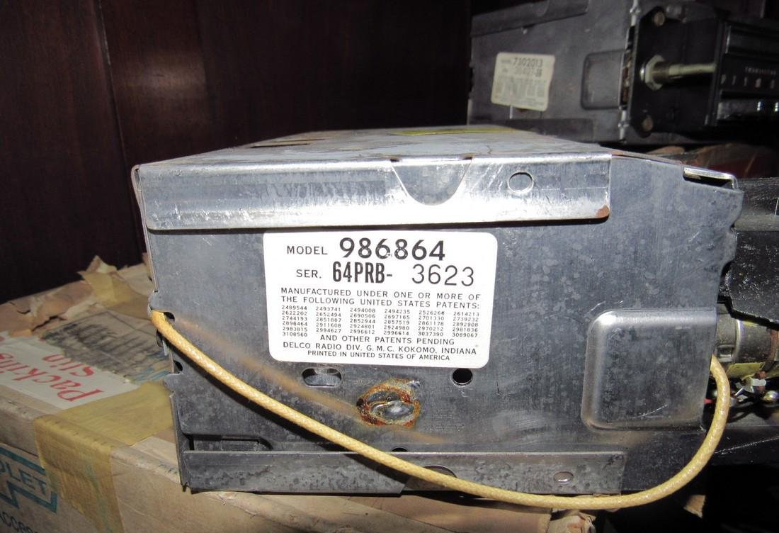 Chevrolet Push Button Corvair Radio & Speaker 9868864 - 9