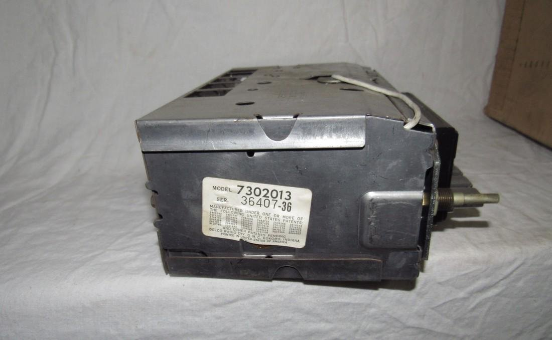1968 Oldsmobile Transistor Radio 7302013 - 3