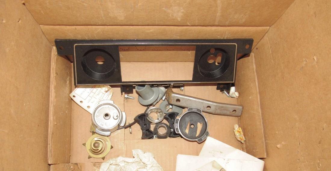 1968 Oldsmobile Transistor Radio 7302013 - 5