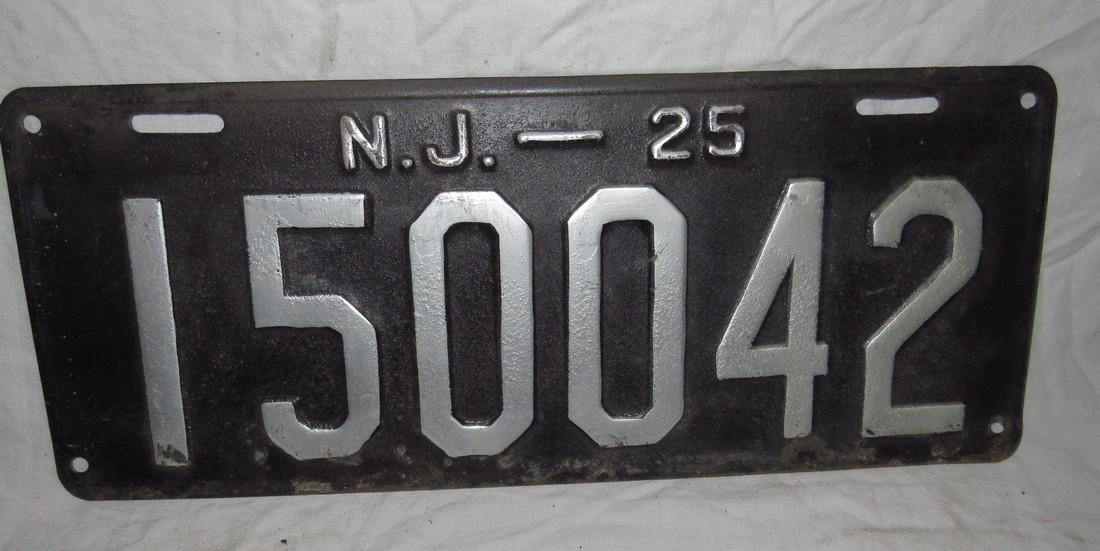 Pair of 1925 NJ License Plates - 3