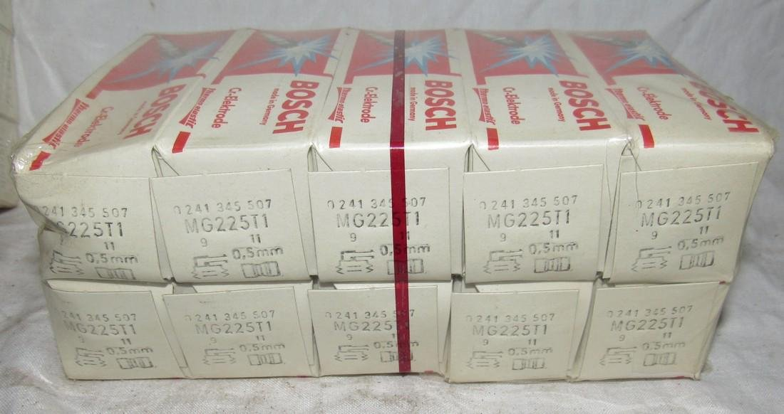 20 Bosch MG225T1 Spark Plugs New Old Stock - 3