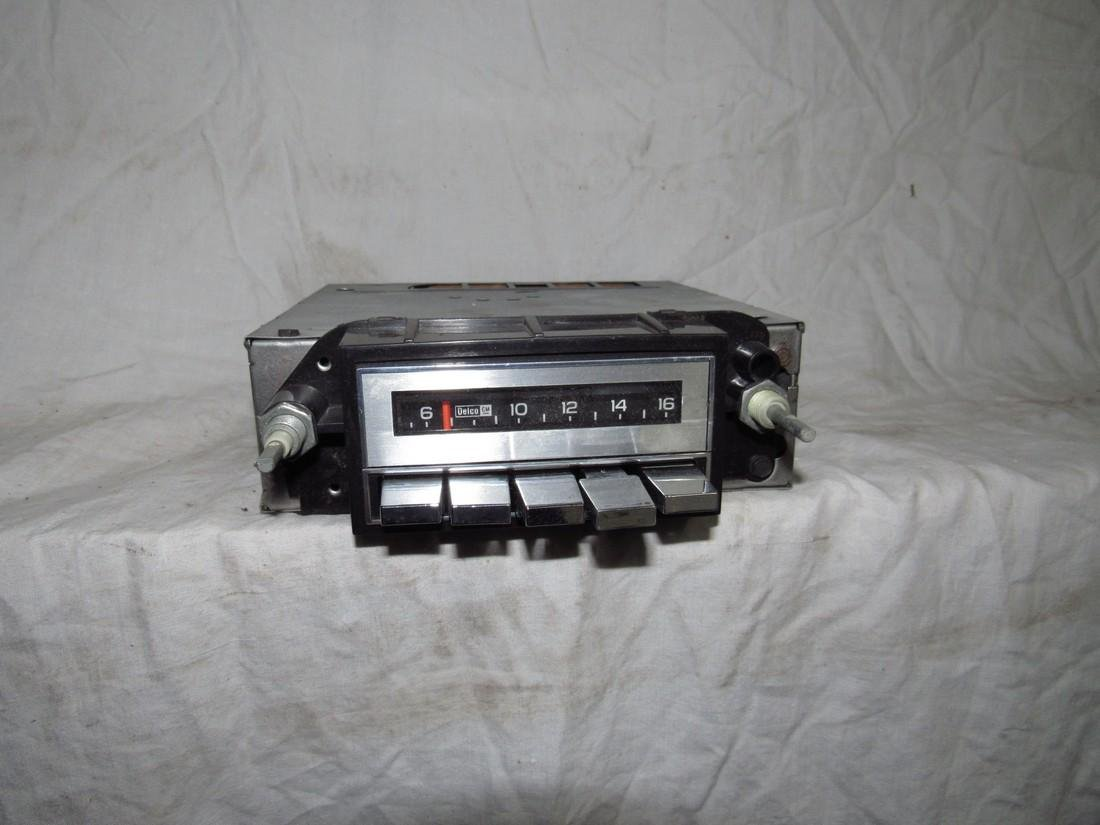 Delco 70BPB1 Car Radio