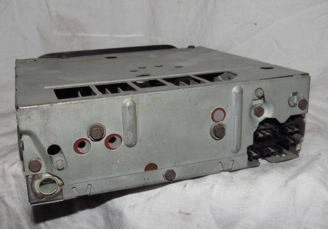 Delco 21HPB2 AM Car Radio - 2