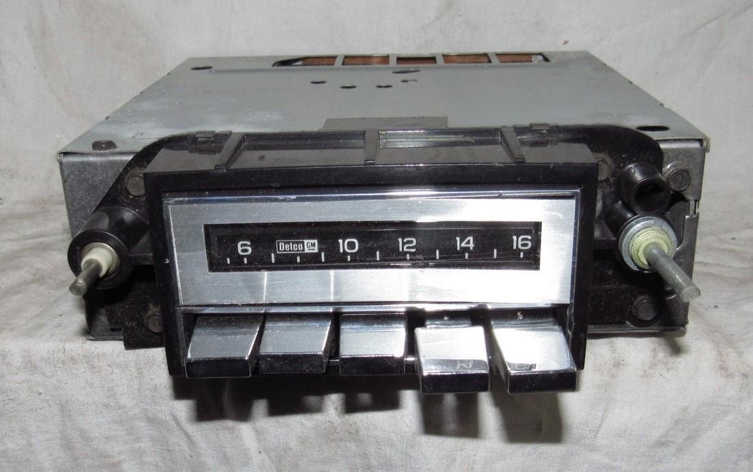 Delco 60BPB1 Car Radio