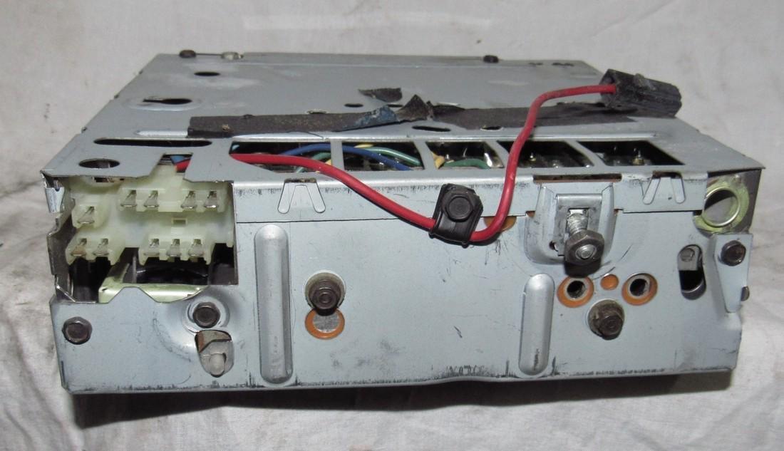 Delco 60BPB1 Car Radio - 3