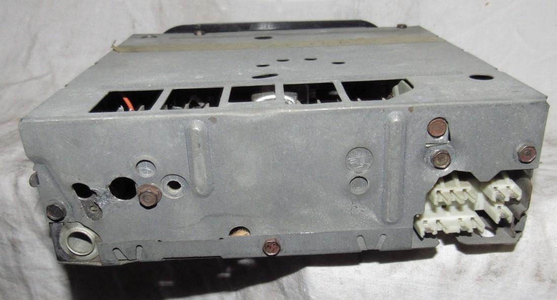 Delco 51APB1 Car Radio - 2