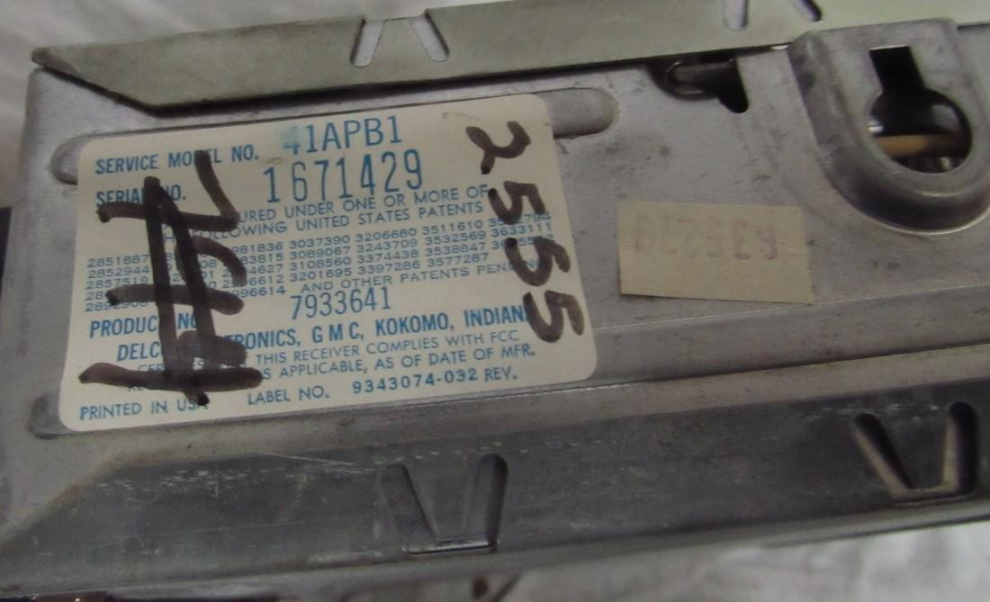 Delco 41APB1 Car Radio - 2